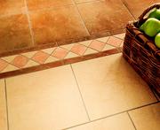 Облицовка стен,  укладка плитки на пол.